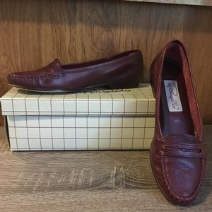 Pair of Pappagallo Women's Loafers